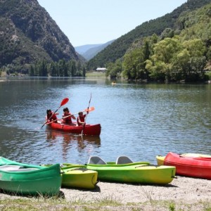 Canoes al llac de la Torrassa