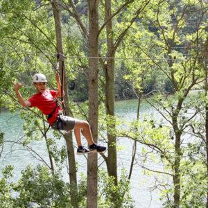 tirolinas-pirineus-parc-aventura