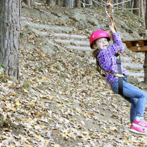 Tirolinas-pirineo-niños